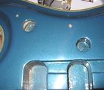 スペクトラム ロゴ用の穴